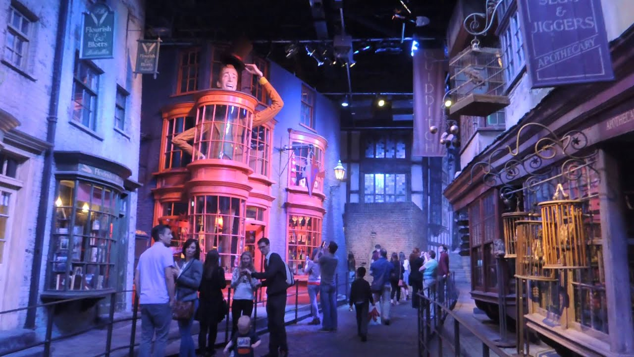 visite des studios warner bros harry potter londres youtube. Black Bedroom Furniture Sets. Home Design Ideas