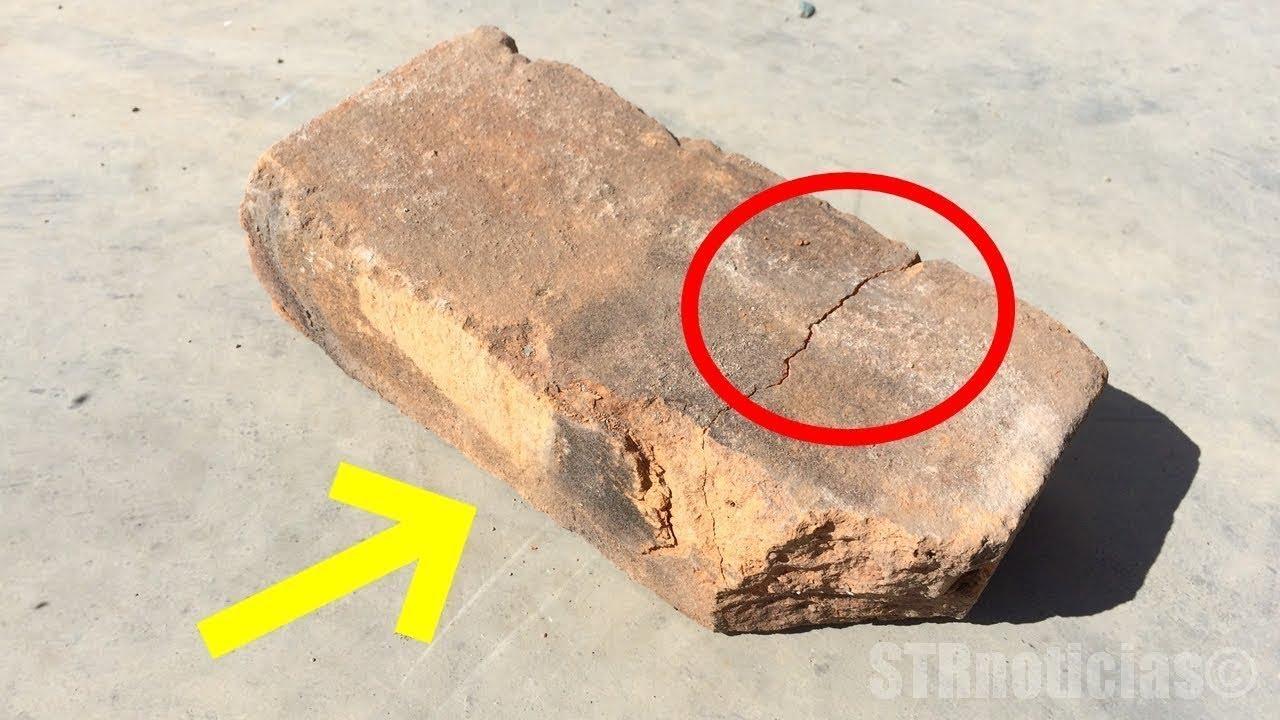 Он случайно уронил кирпич при строительстве винного погреба и обнаружил тайну внутри