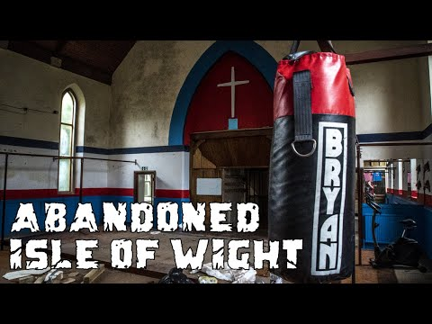 Exploring Inside Abandoned Boxing Club - Ventnor Isle of Wight