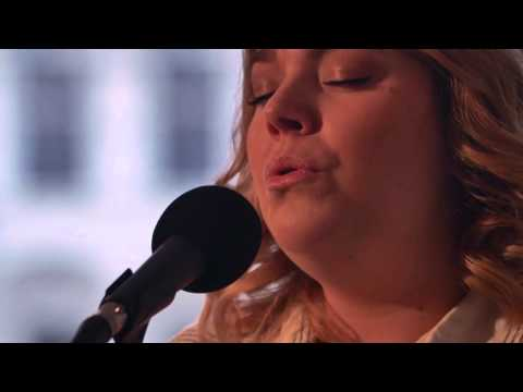 Julie - Melt my heart to stone (Adele cover)  | Go Mobile Sessions