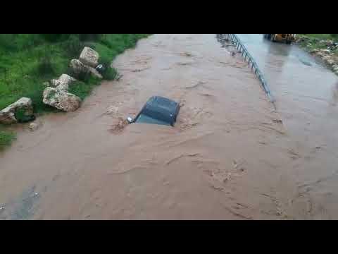 צפו: חילוץ ג'יפ שנסחף בנחל חיזלון