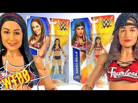 WWE NIKKI & BRIE BELLA Action Figure Reviews thumbnail