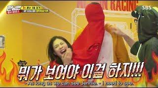 Funny Lee Kwang Soo and BlackPink Jennie sharing couple shirt (Running Man 413) 이광수 제니 커플 티 (똥손)
