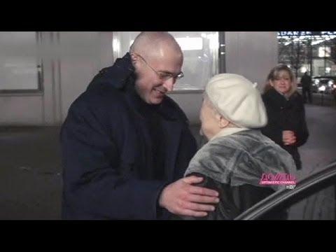 Ходорковский в Берлине встретил родителей и дал первое интервью