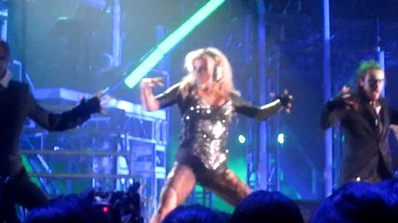 65914479341 MTV World Stage 2011 - Ke ha - Take It Off - YouTube