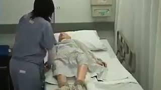 Yatalak hastalarda çarşaf değişimi böyle olur