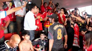 What happens if you wear MU jersey at Liverpool Asia Tour 2011 @ Malaysia - 14 July 2011