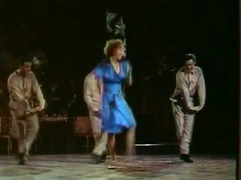 JULIET PROWSE,DANCING