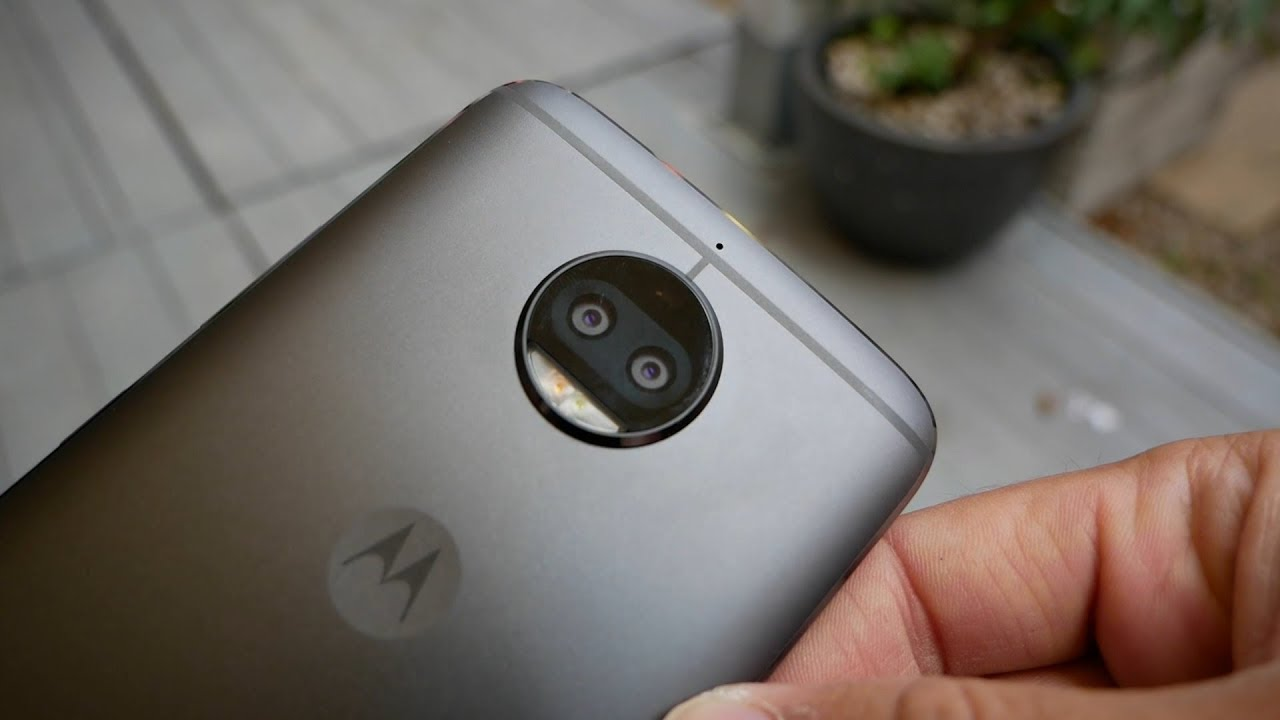 edbc744b62 Motorola Moto G5s Plus hands on - YouTube