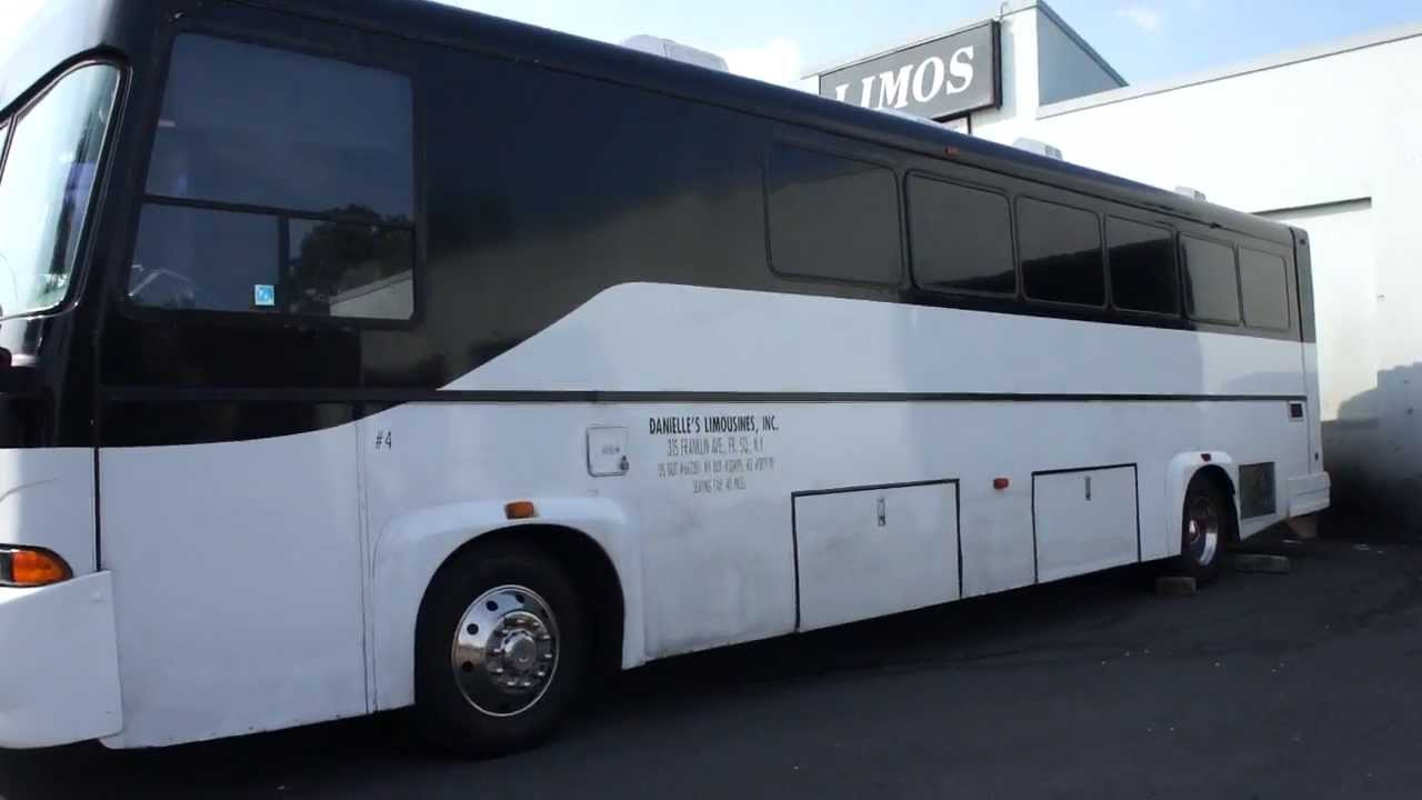 Sold 2003 freightliner party bus for sale diesel 40 for Party bus with bathroom