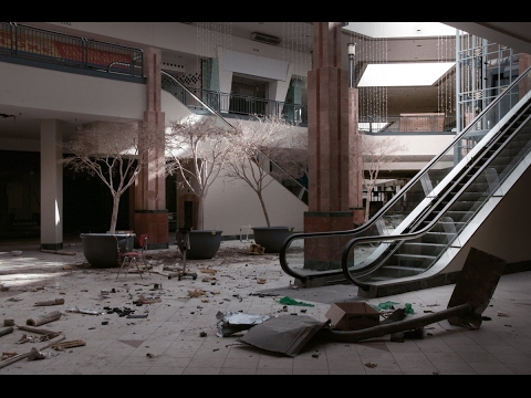 The reasons why malls across the US are closing down more th