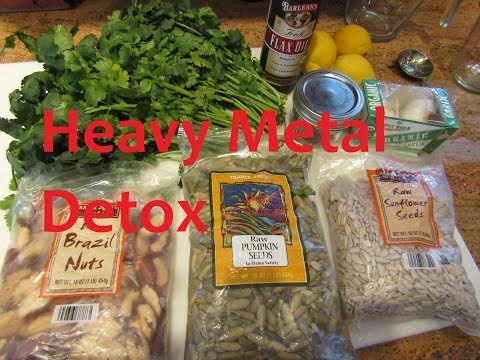Making Cilantro Chelation Pesto