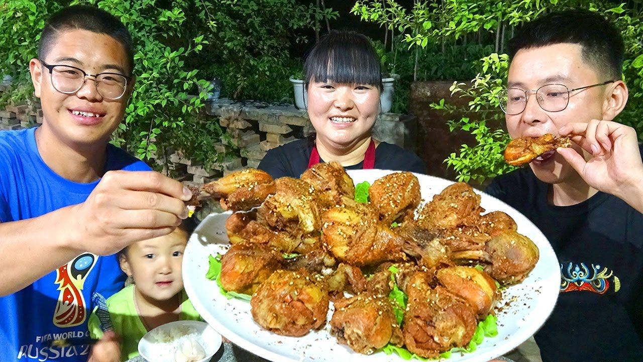 【陕北霞姐】修凉亭弟弟出力,霞姐做16个香酥炸鸡腿犒劳,女儿吃美了大展歌喉!