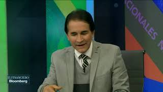 Carlos Urzúa ve al peso más fortalecido ante el dólar a corto plazo
