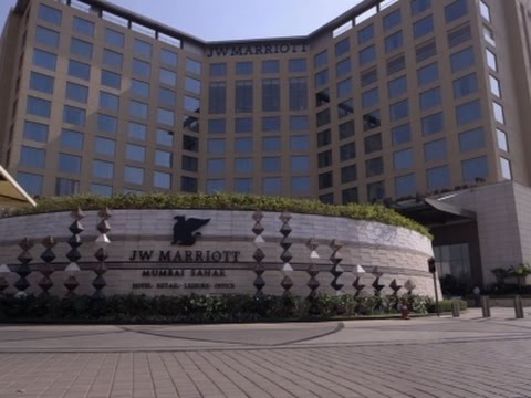 Marriott Buys Starwood, Now Largest Hotel Chain