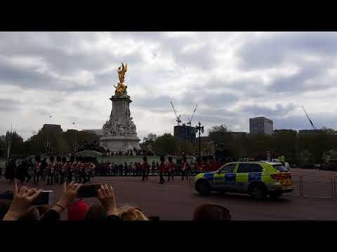 Cambio de guardia en el Palacio de Buckingham. Changing of the guard at Buckingham Palace.