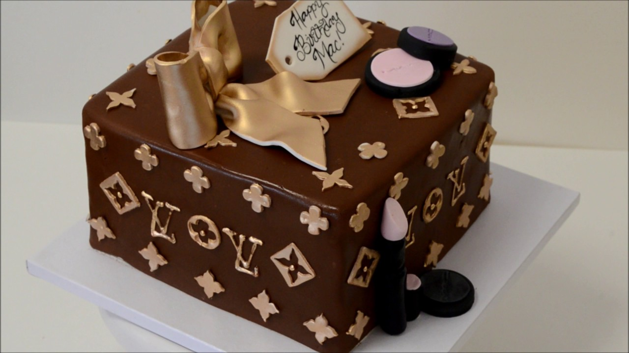 4e4fd8ea068 Spinning Louis Vuitton Box Cake Demonstration - YouTube