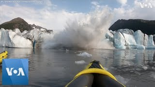Kayakers Narrowly Escape From Collapsing Glacier