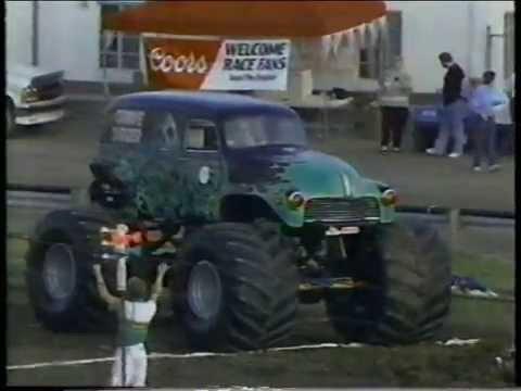 TNT Monster Truck Challenge 1990 Bowling Green Race 1 (TuffTrax)