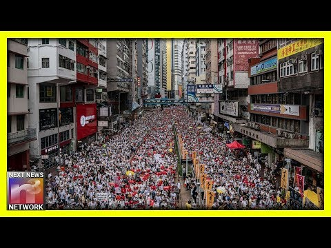 Hong Kong Protests Turn VIOLENT Real Quick, The Police Become The ENEMY Of The People