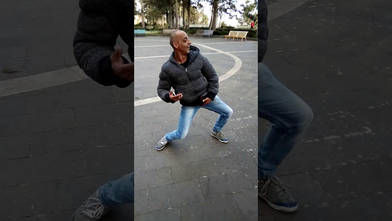 مقطع رقص مضحك