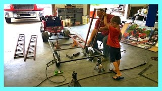 Process Of Building The Gooseneck Trailer And Flatbed Truck thumbnail