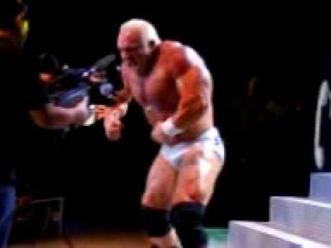 """Entrada de John """"Strongman"""" en la Arena México - YouTube"""