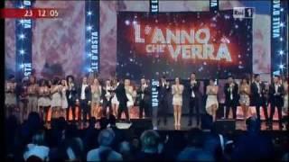 In diretta da courmayeur, il corpo di ballo si esibisce su un medley degli imagination sul palco della trasmissione condotta carlo conti per festeggiare l...