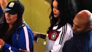 Rihanna montre ses seins en finale de la coupe du monde