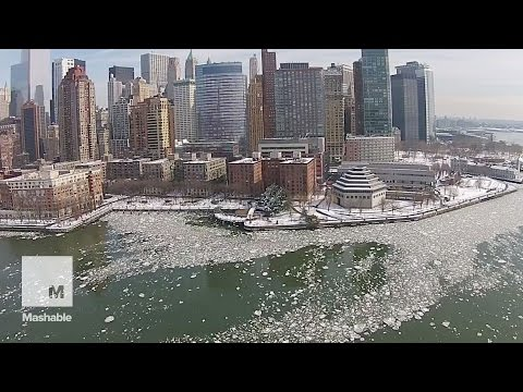Drone footage reveals birds-eye-view of an icy Hudson River | Mashable