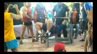 Viktor Naydenov 390 kg @ 122 kg