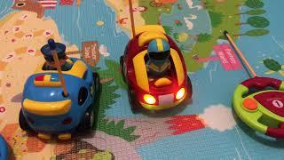 Çocuklar için Çizgi film 2 R/C Polis Arabası ve Yarış Arabası Radyo Kontrol Oyuncaklar Prextex Pack