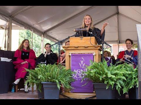 Jennifer Nettles '97 speaks at Agnes Scott College's 129th Commencement
