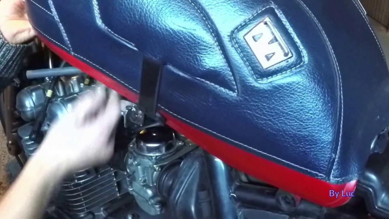 Changer La Durite D Essence Sur Un Zephyr Kawasaki 750 Youtube