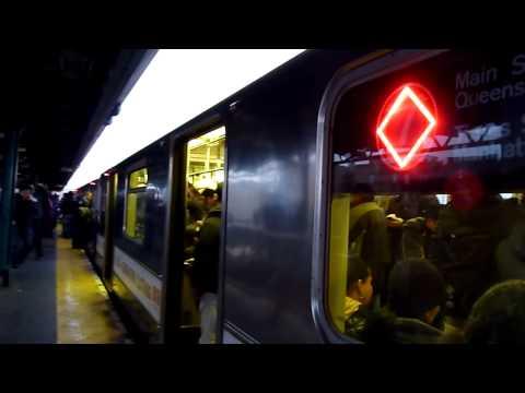R62A 7 Express train at 61st Street - Woodside