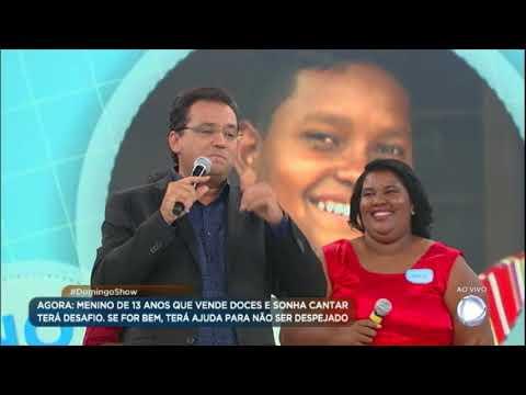 Davi e sua mãe cantam no palco e emocionam Reinaldo Gottino, Fabíola Reipert e Lombardi
