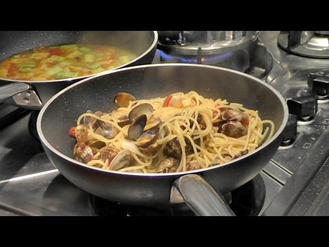 Italian Food Recipes. Spaghetti and Clams with Bottarga and Turmeric