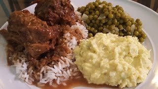 How Make Smothered Turkey Necks Brown Gravy Green Peas And Potato Salad