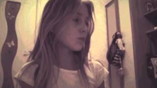 Клип под песню :  Sia Chandelier))