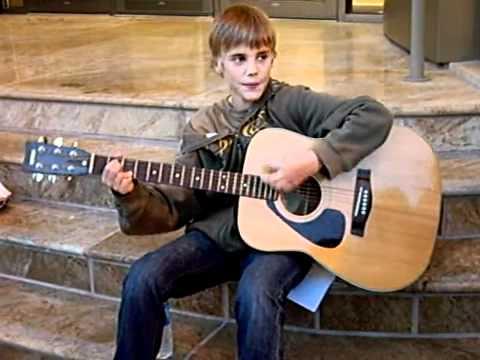 Canadian singer Justin Bieber to publish memoir - Wikinews ... |Justin Bieber Cis