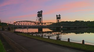 Moments of Zen: World wakes on the banks of the St. Croix River in Stillwater