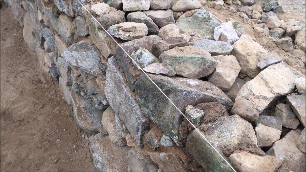Como se hace una pared de piedra en los pedroches youtube - Muros de piedra natural ...