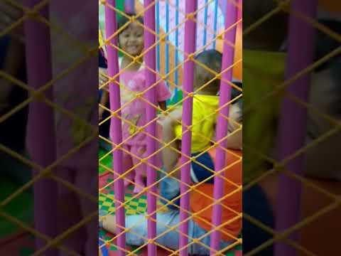happy bersama anak dan ponakan tercinta thumbnail