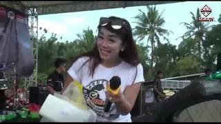 DangDut Koplo Goyang Hoot Broo! Ngangkaang Chawet By: Aina &  Reni Cendol