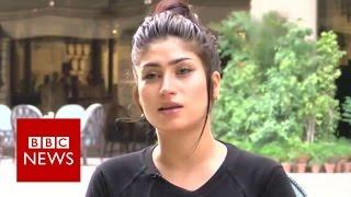Qandeel Baloch: Pakistan's social media celebrity - BBC News