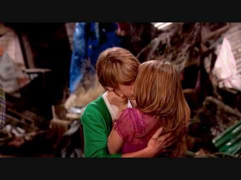 did cole sprouse dating debby ryan in real life
