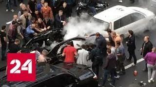 видео Взрыв машины на Бессарабке в Киеве: все подробности