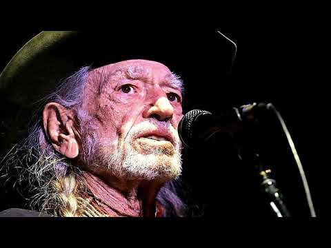 Willie Nelson live at Show Me Center, Cape Girardeau, MO 04/15/18 Part 1 {FULL HD}