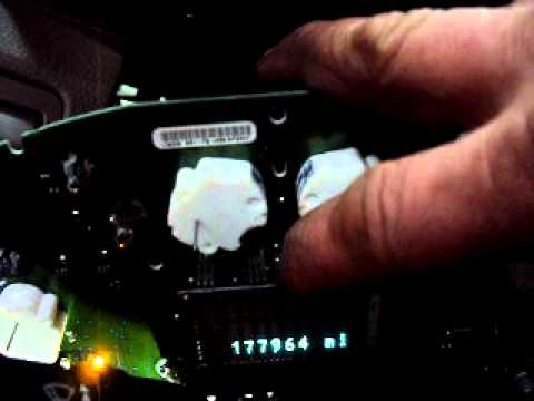 Repairing The Instrument Cluster Display Odometer On An 07