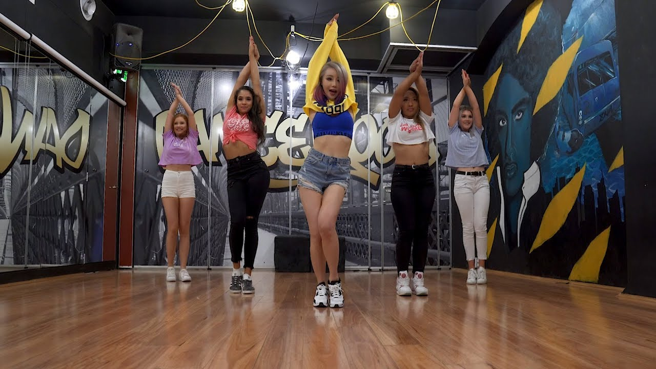Wengie 'CAKE' (Dance Practice Video)